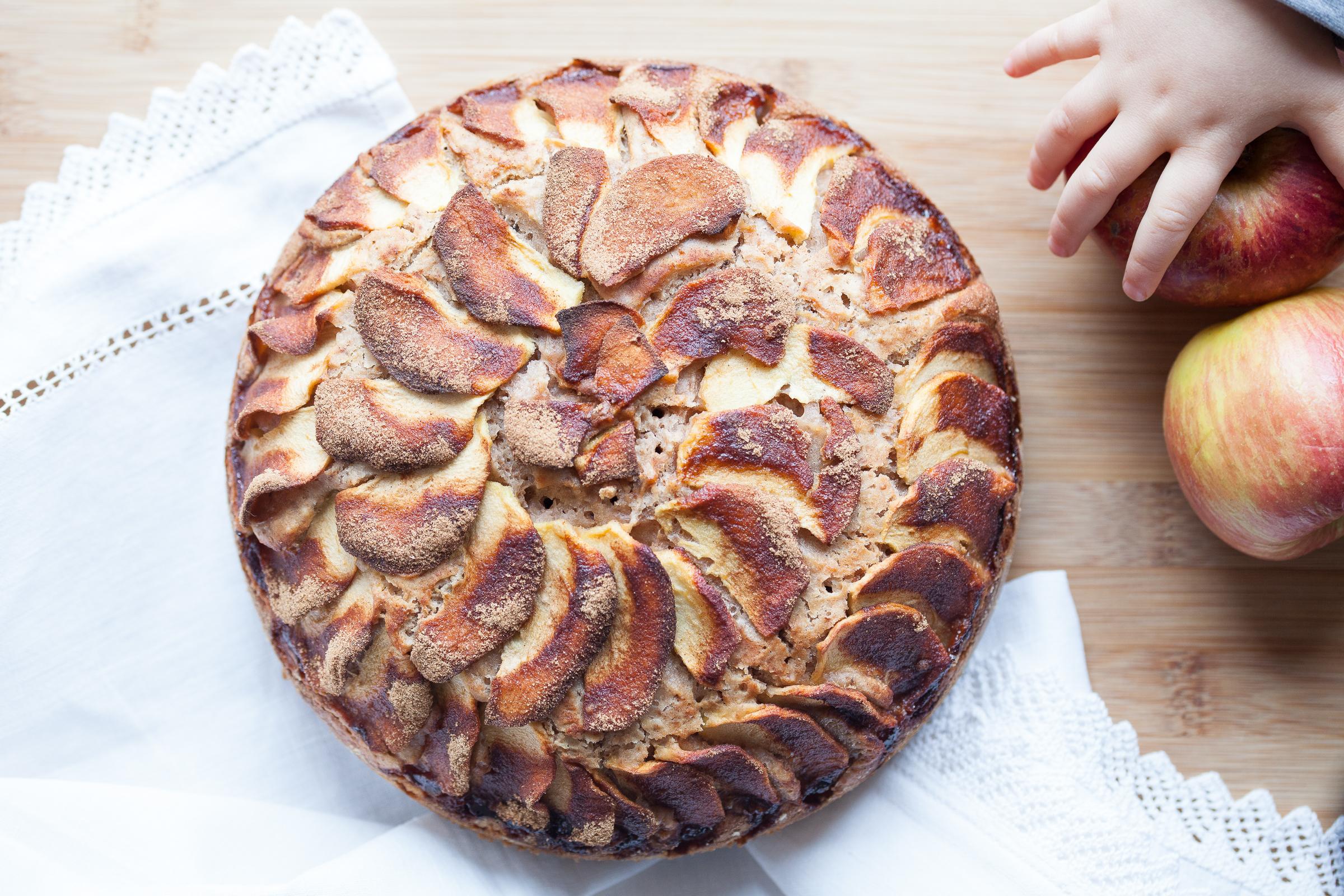 torta di mele mano