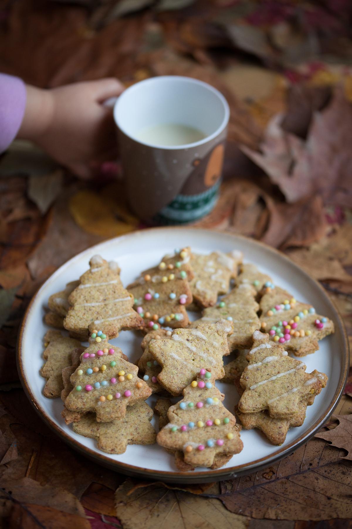 Frollini di Natale ai pistacchi e zenzero tazza